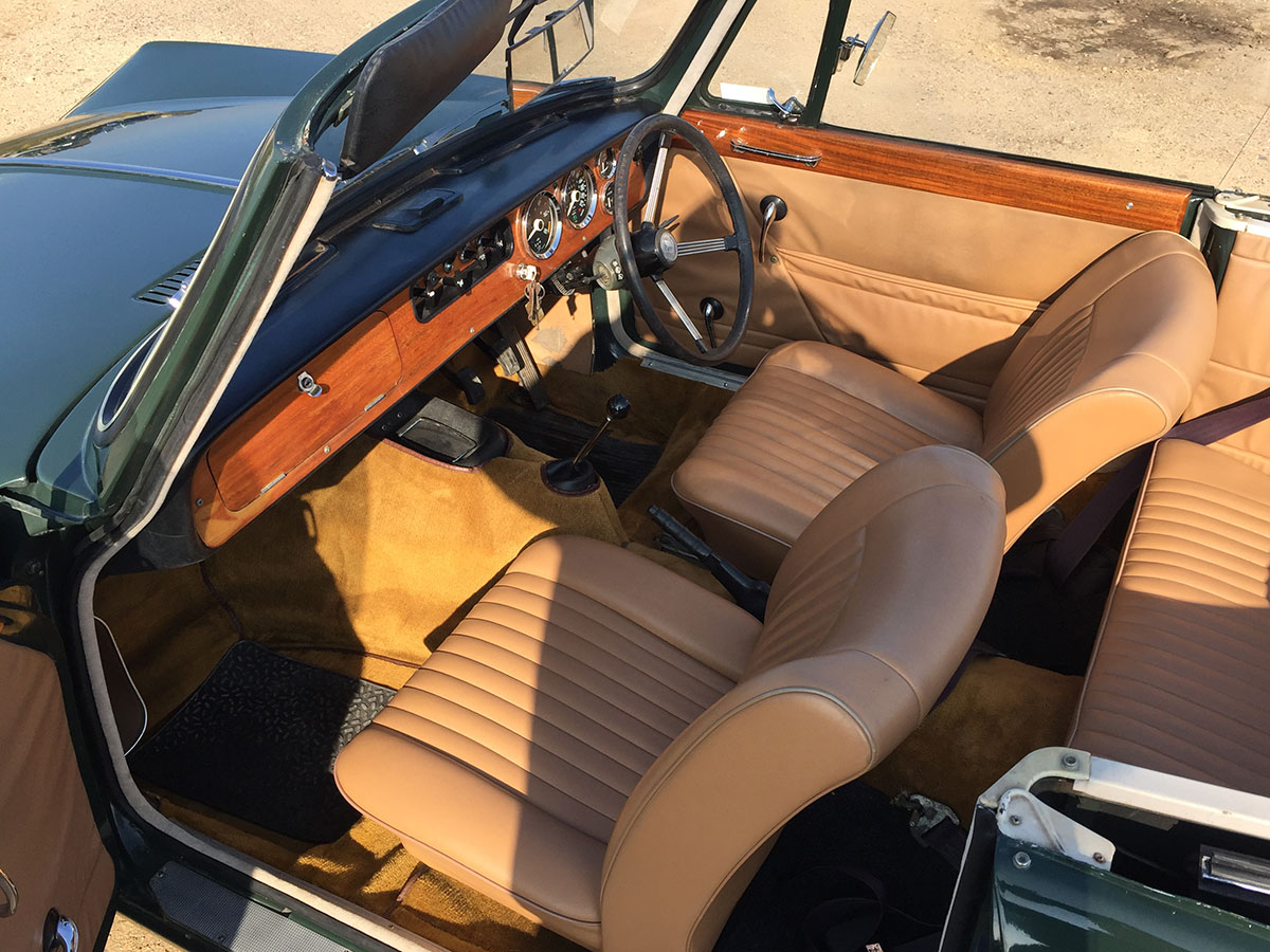 Vitesse convertible - original tan leather interior